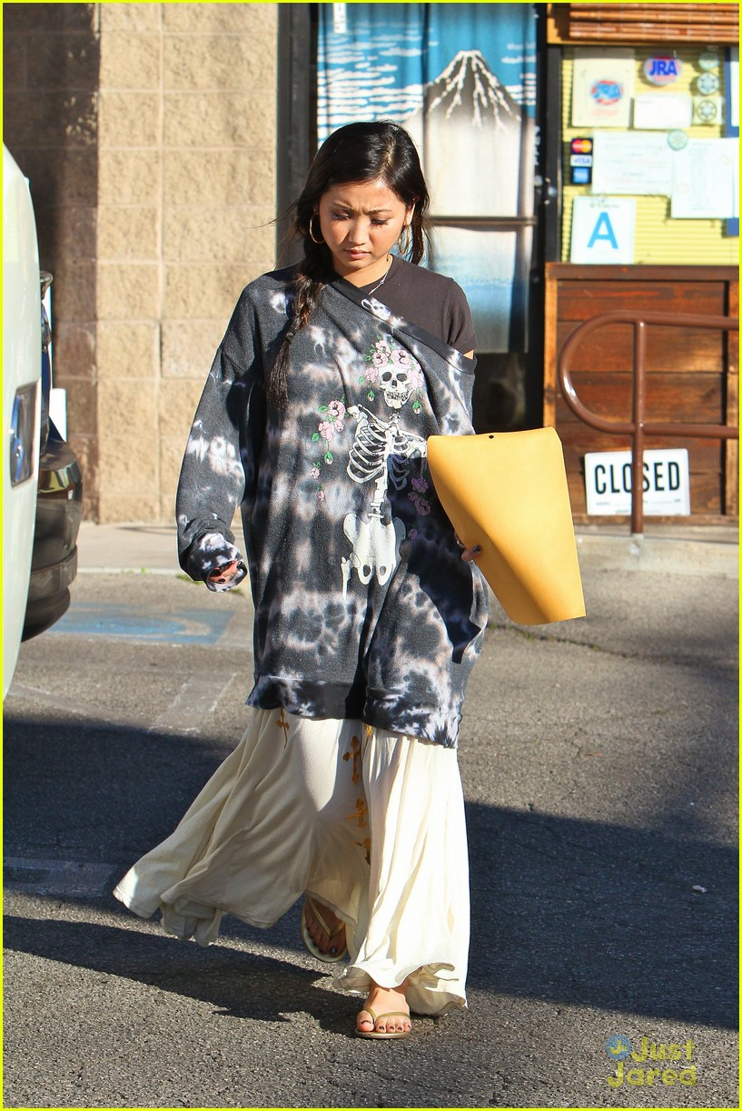 brenda song skull sweater 03