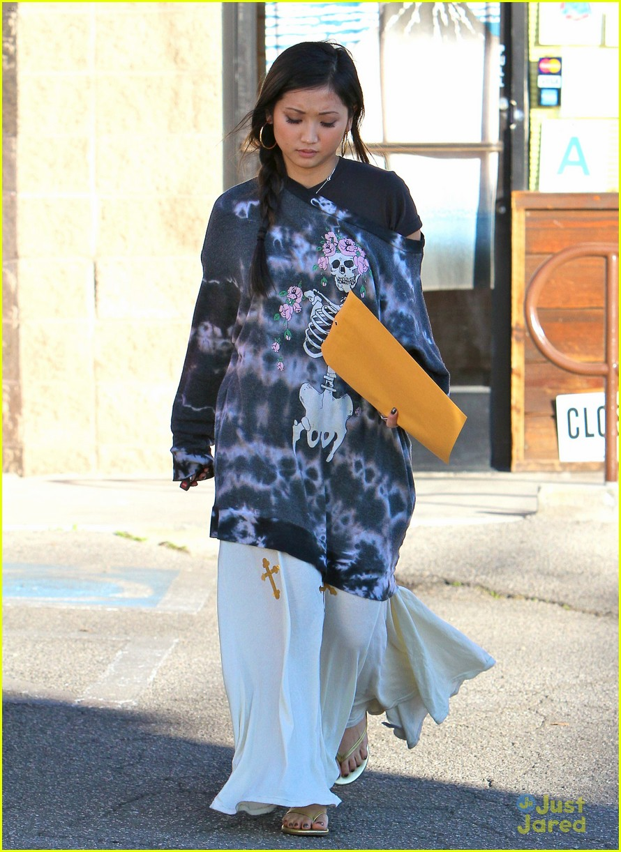 brenda song skull sweater 05