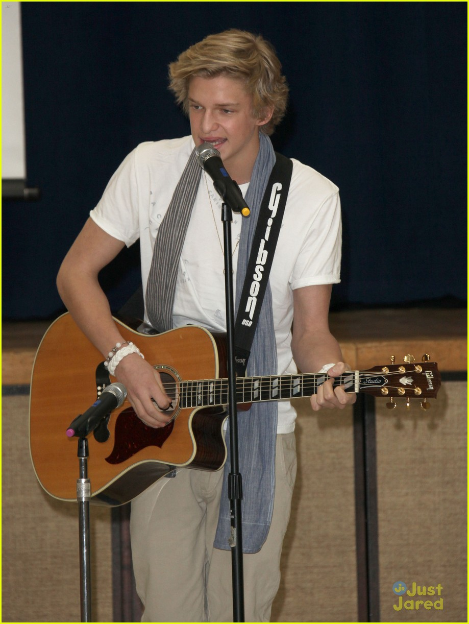 cody simpson lakers kylie 03