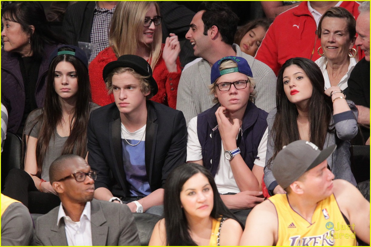 cody simpson lakers kylie 04