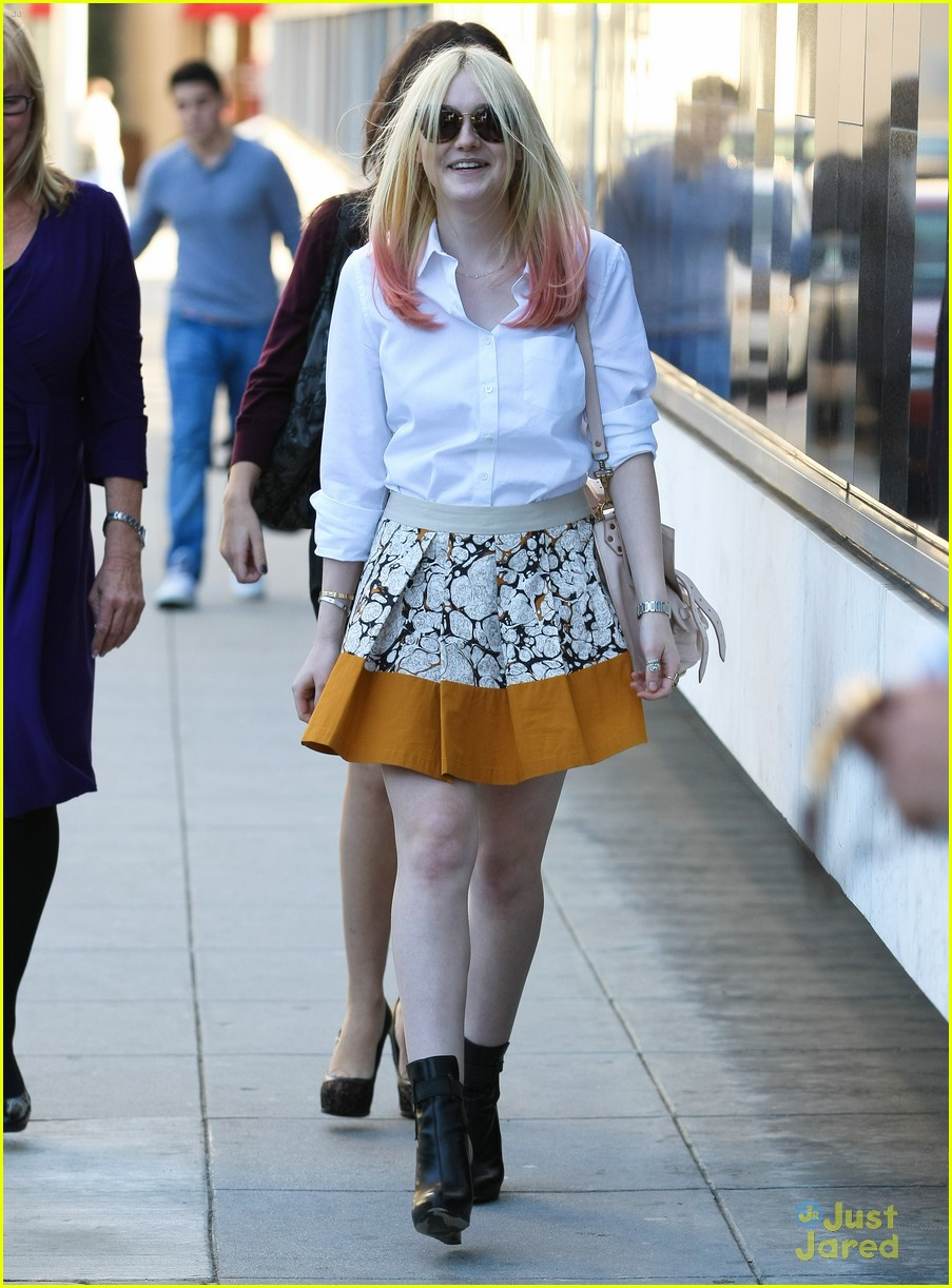 dakota fanning mr chow 08