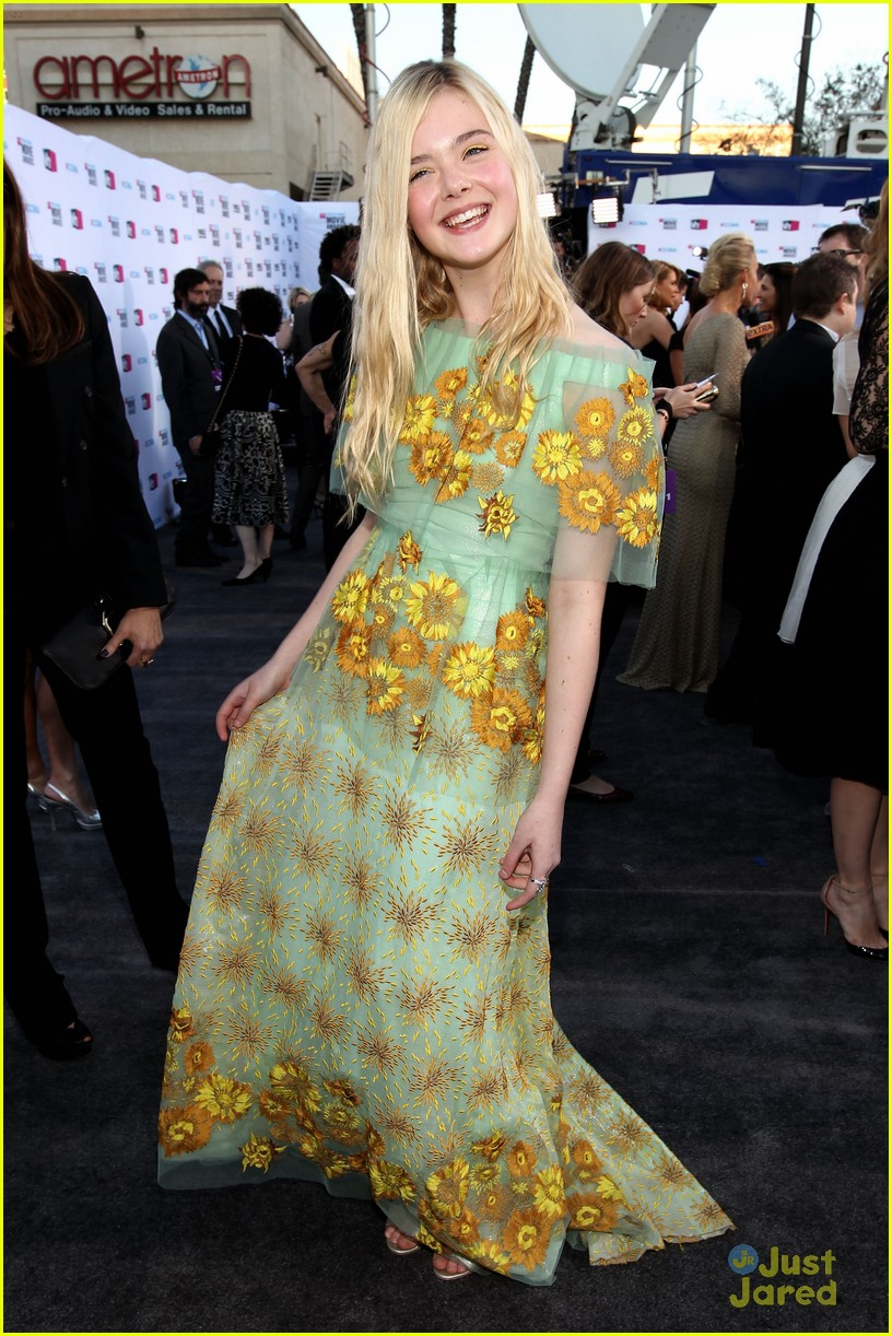 elle fanning critics choice 07