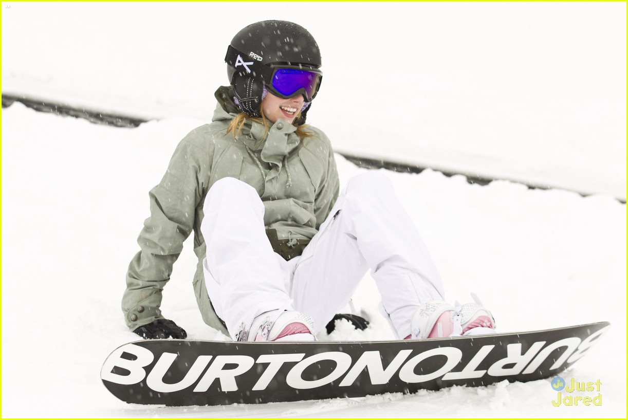 emma roberts burton snowboard 03