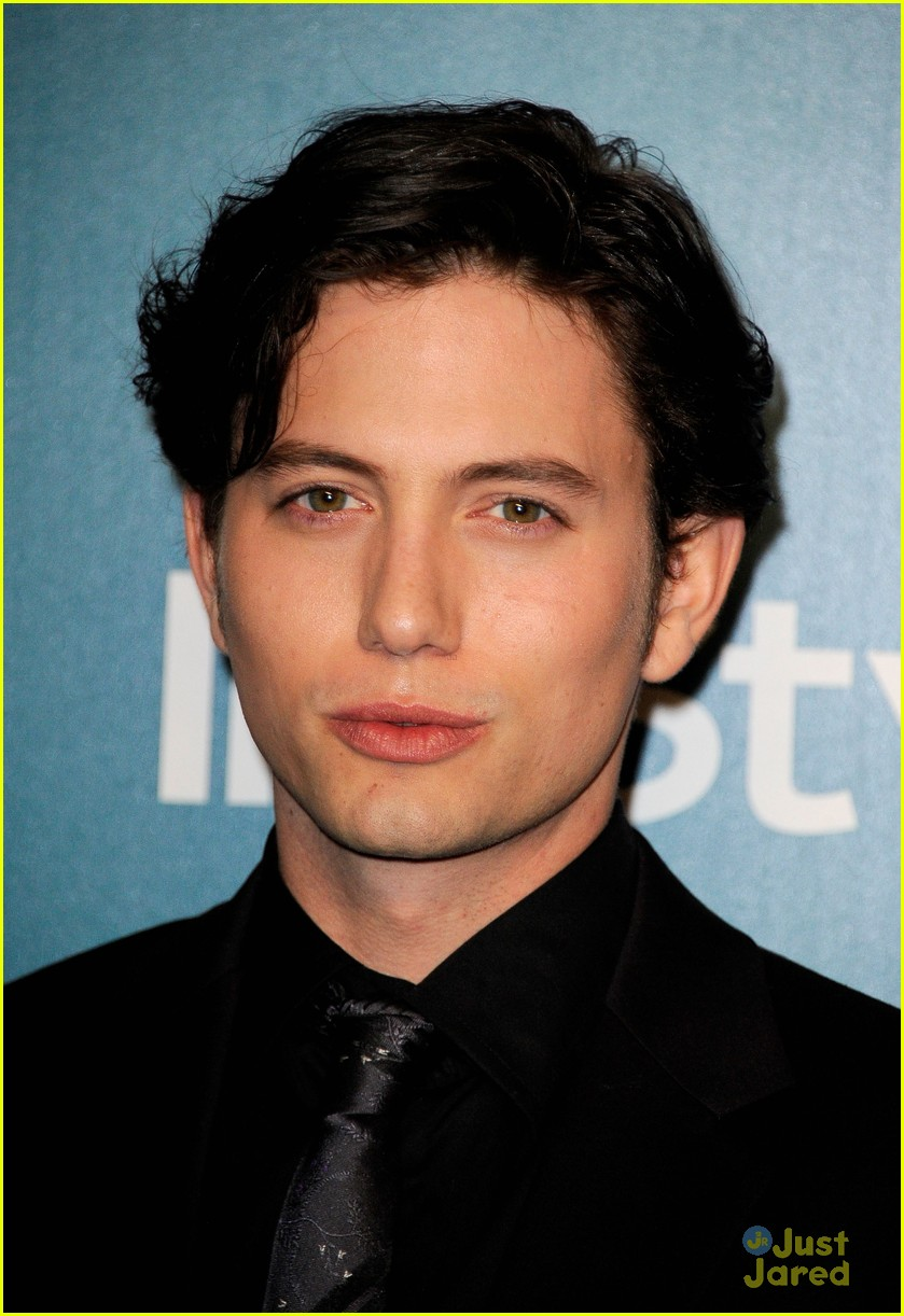 jackson rathbone man ledge 14