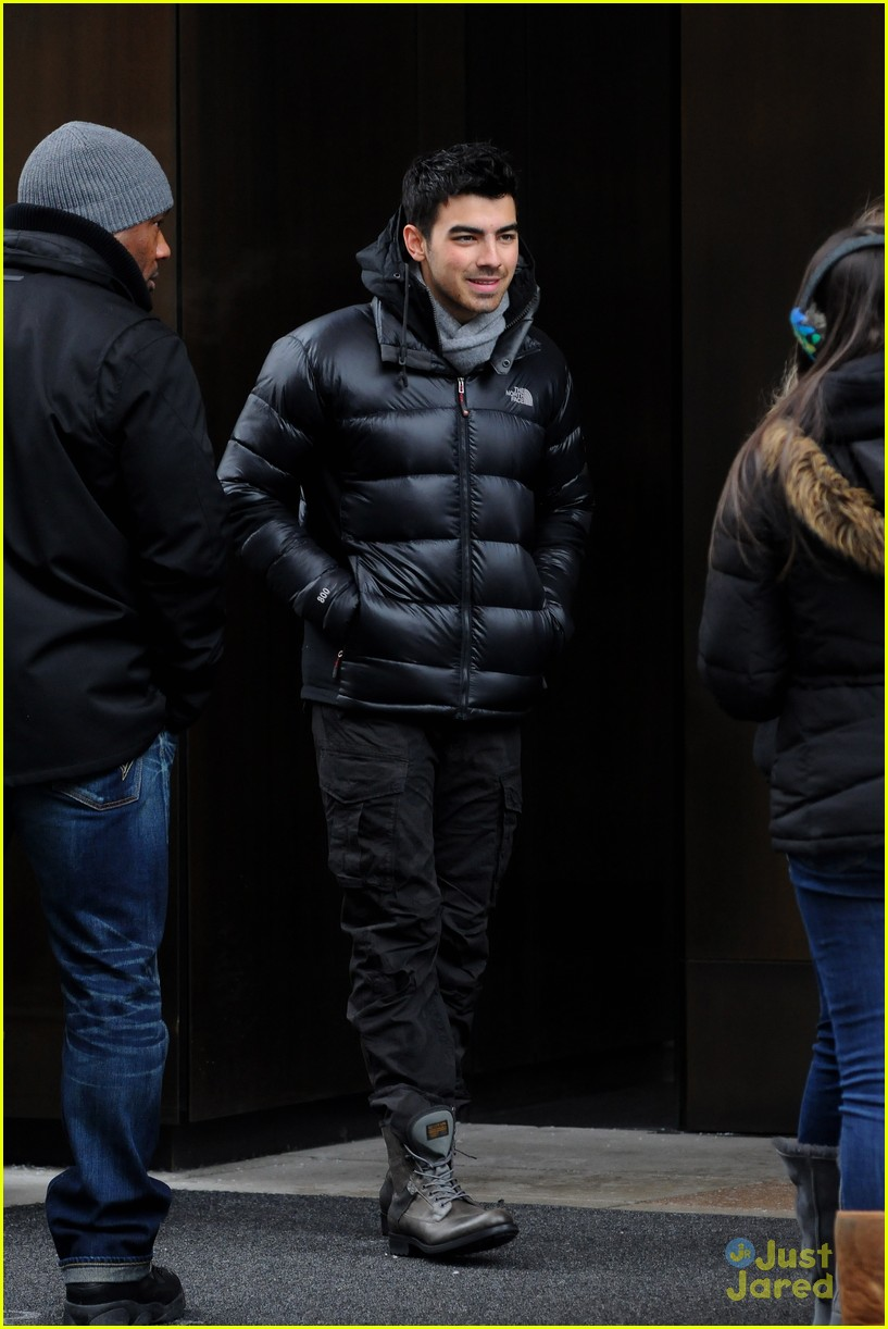 joe nick jonas knicks 10