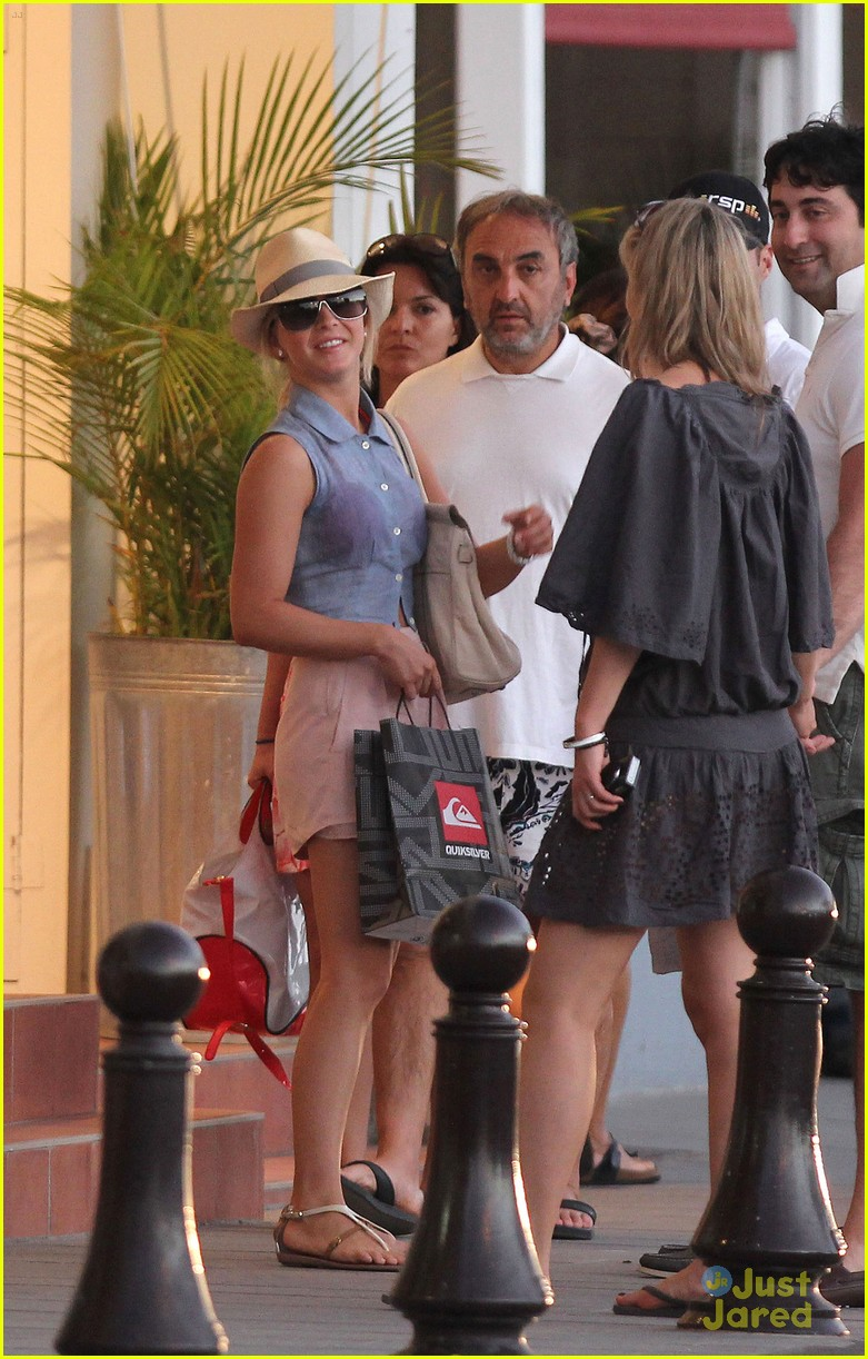 julianne hough saint barthelemy 02