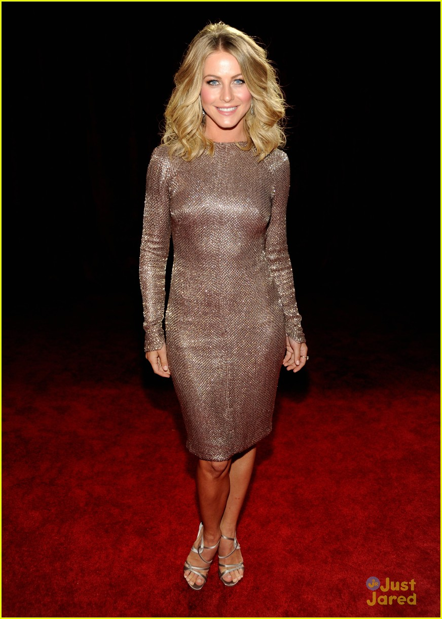 julianne hough 2012 pcas 07