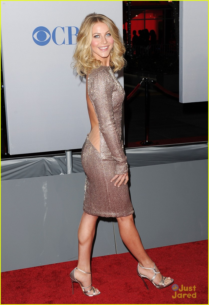 julianne hough 2012 pcas 10