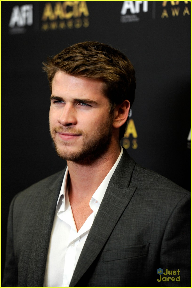 liam hemsworth aussie awards timeless 01
