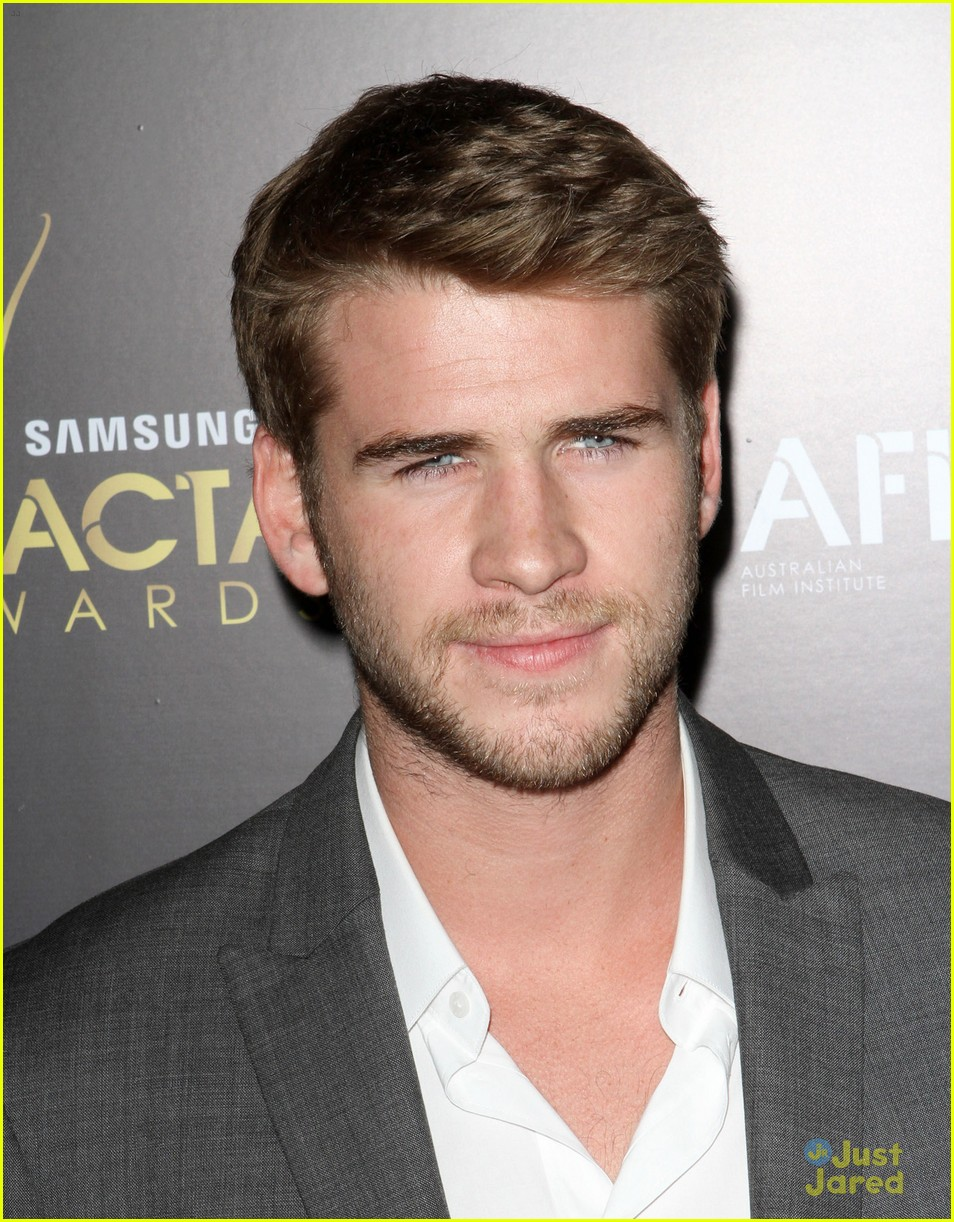 liam hemsworth aussie awards timeless 11