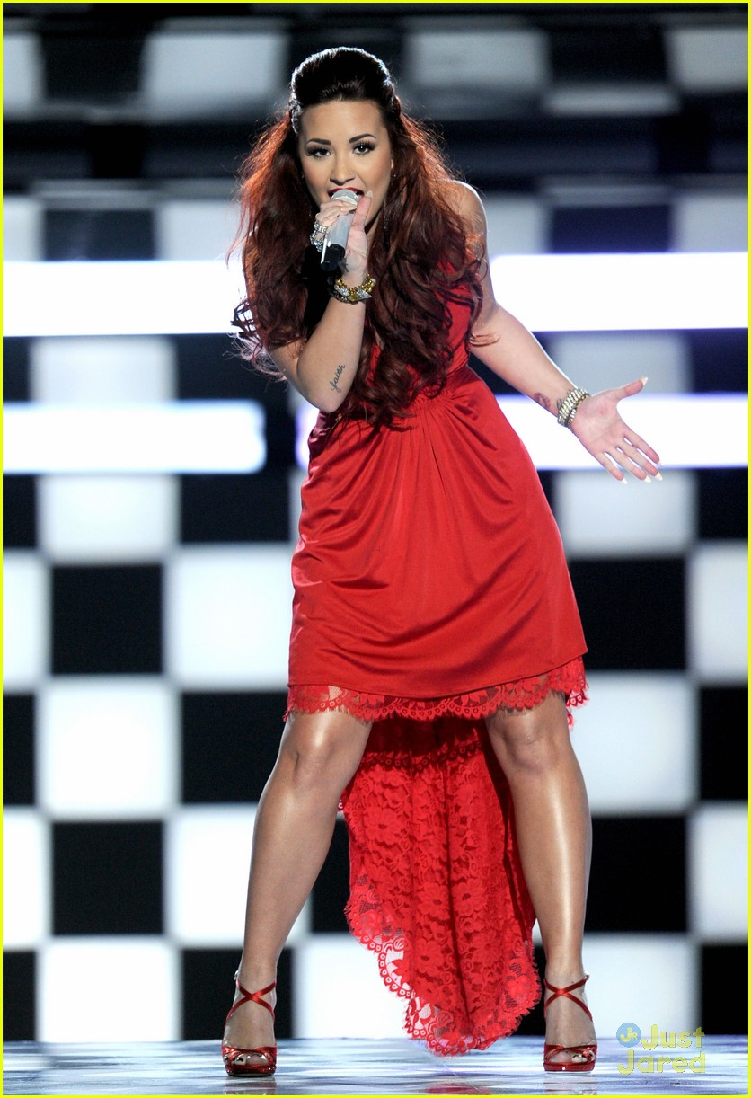 demi lovato pca performance 09