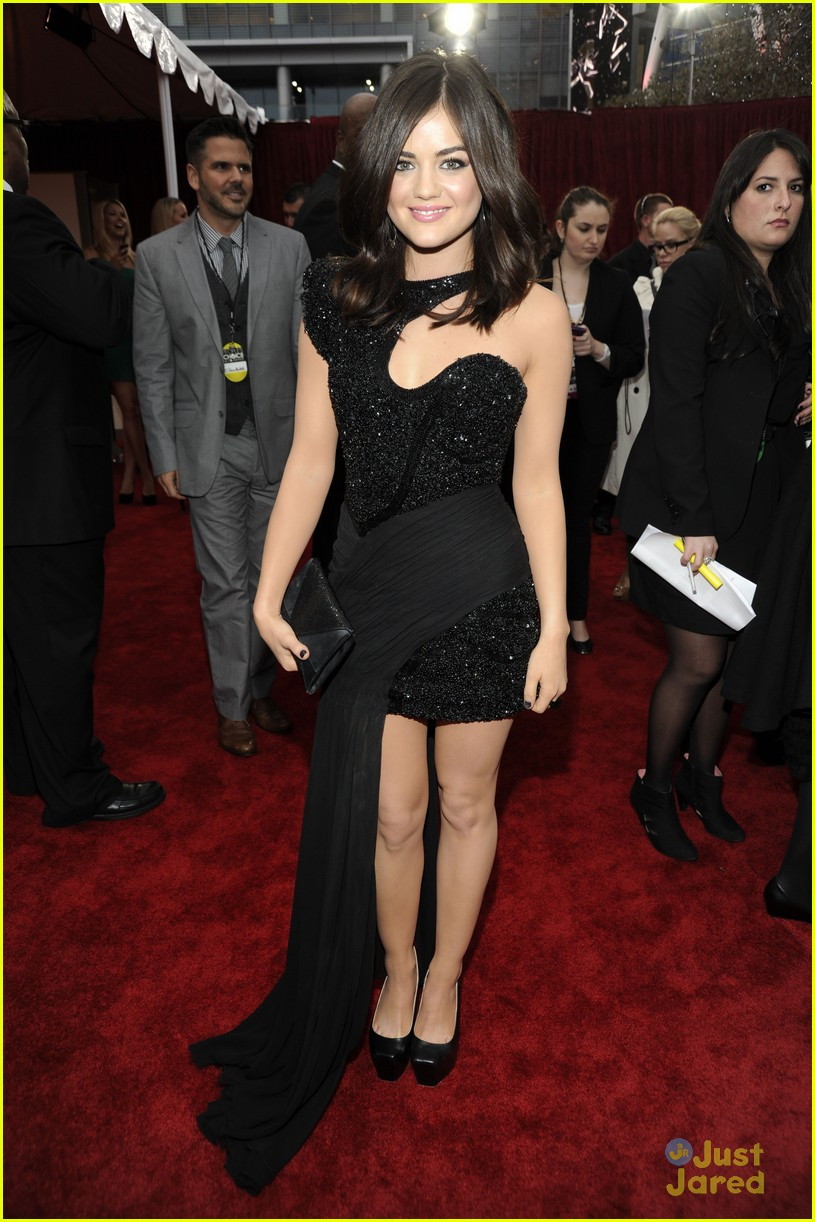 lucy hale pca 2012 04