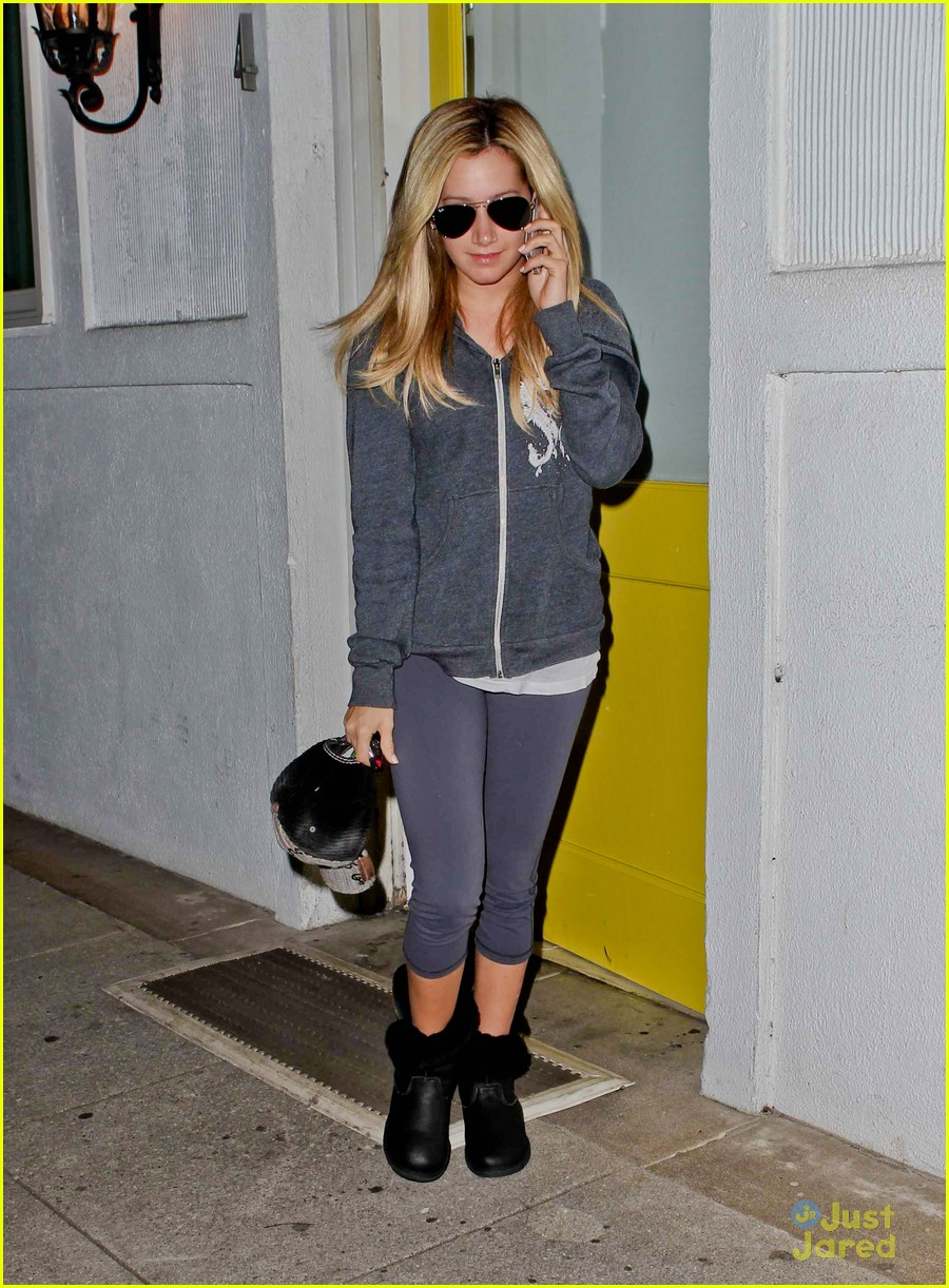ashley tisdale salon stop 02