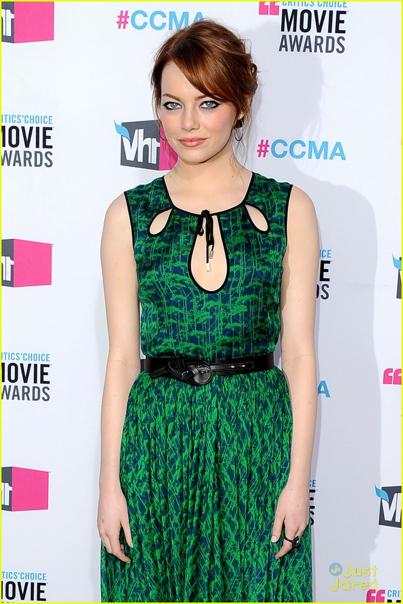 emma stone critics choice 07