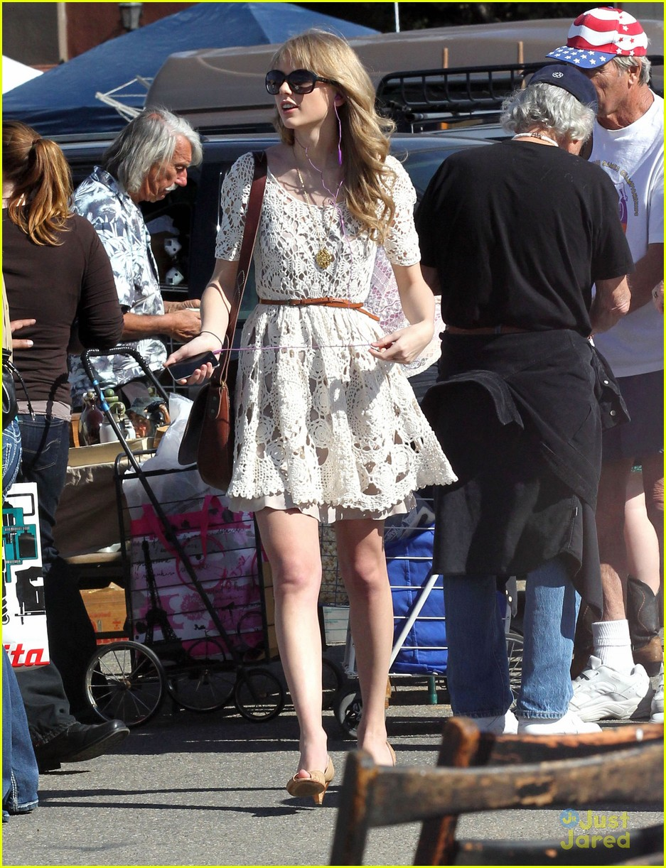 taylor swift flea market 01
