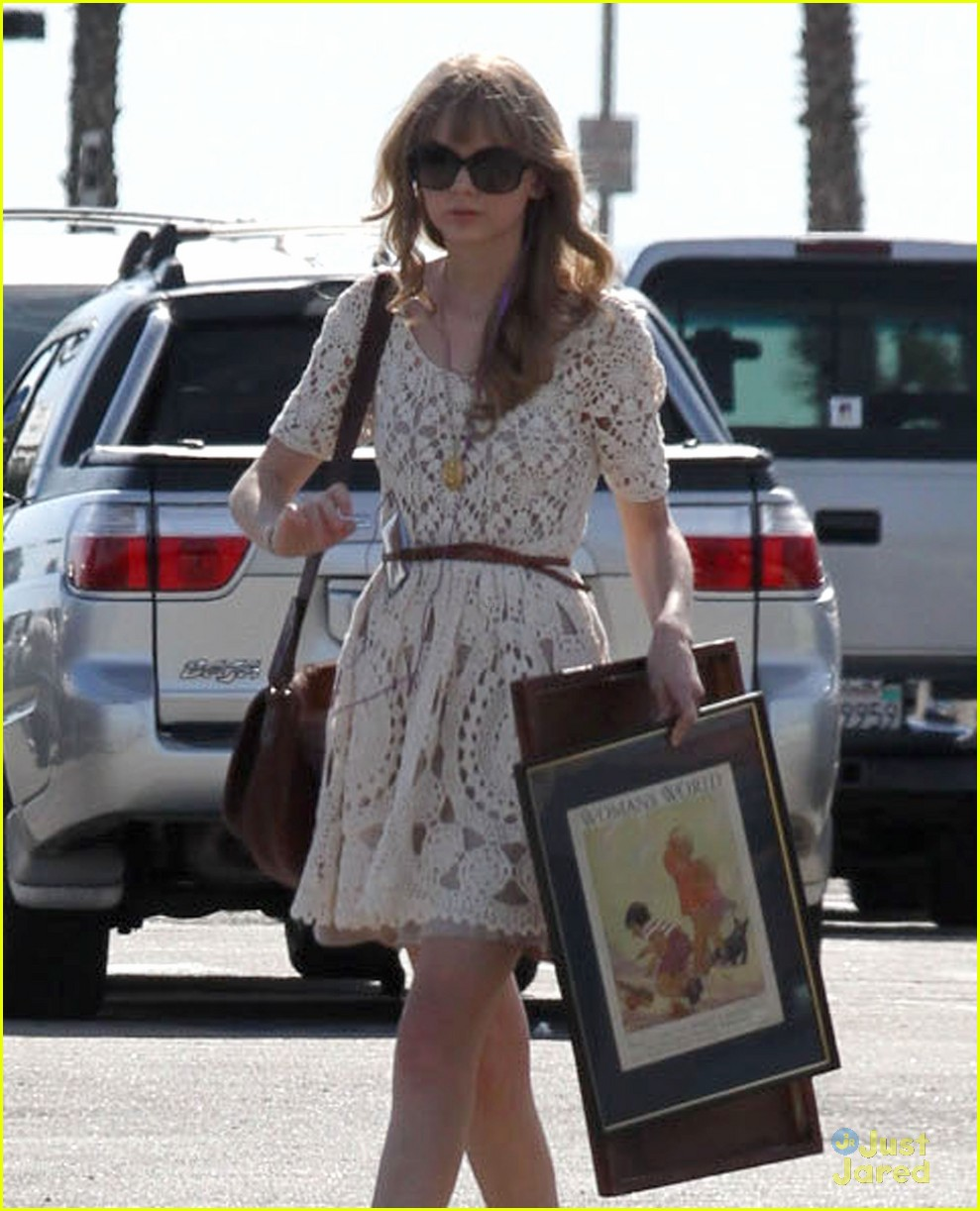 taylor swift flea market 13