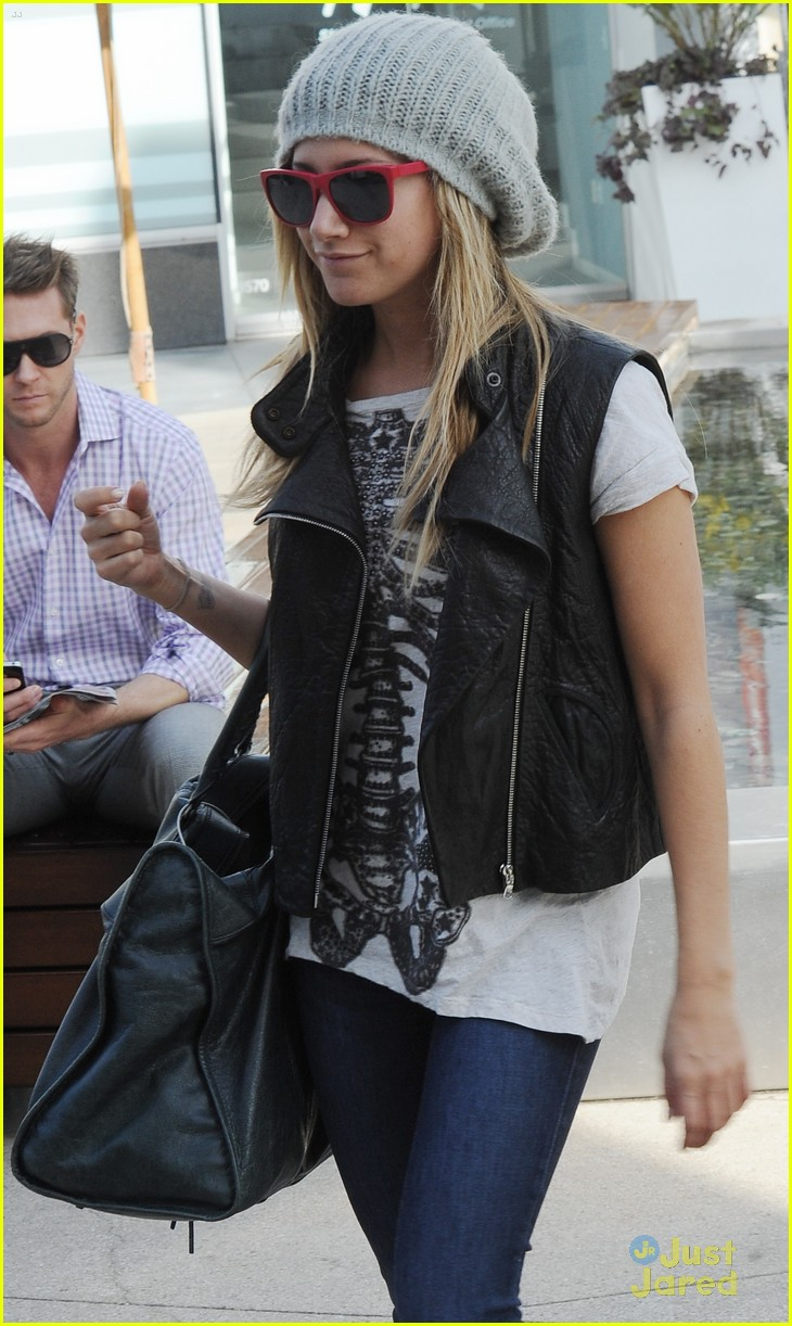 ashley tisdale benson unicef 02