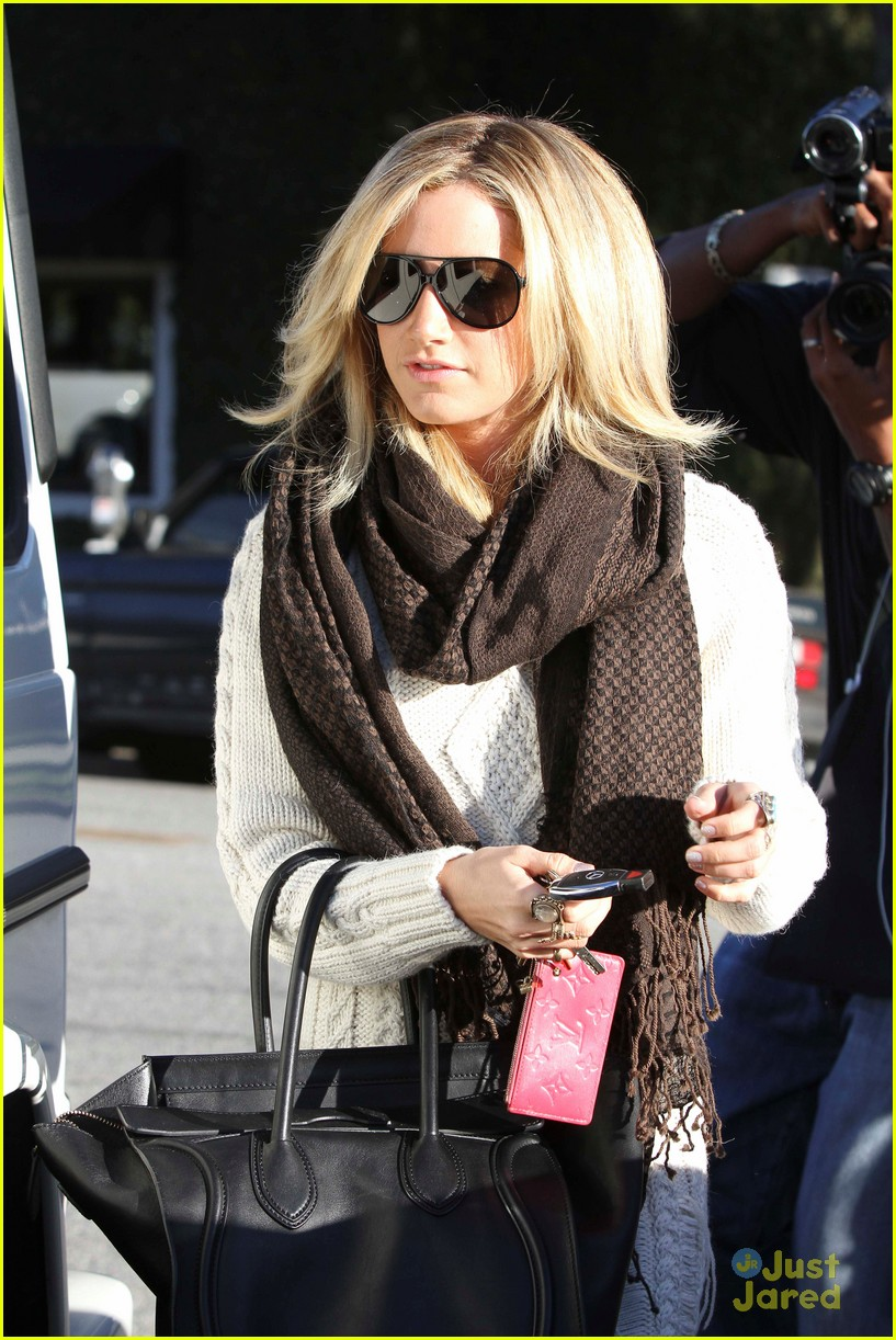 ashley tisdale salon smile 15