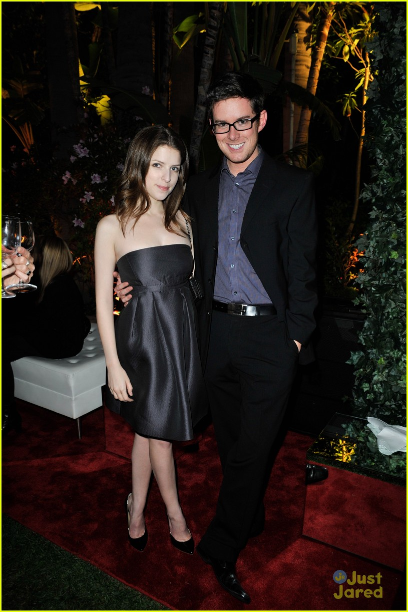 anna kendrick qvc buzz party 03