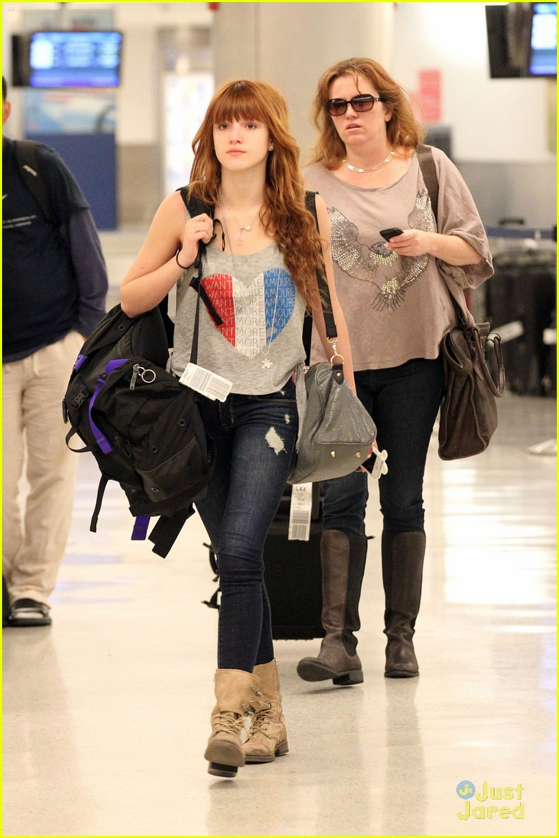 bella thorne miami arrival 01