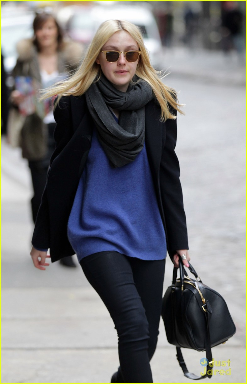 dakota fanning soho blue 04