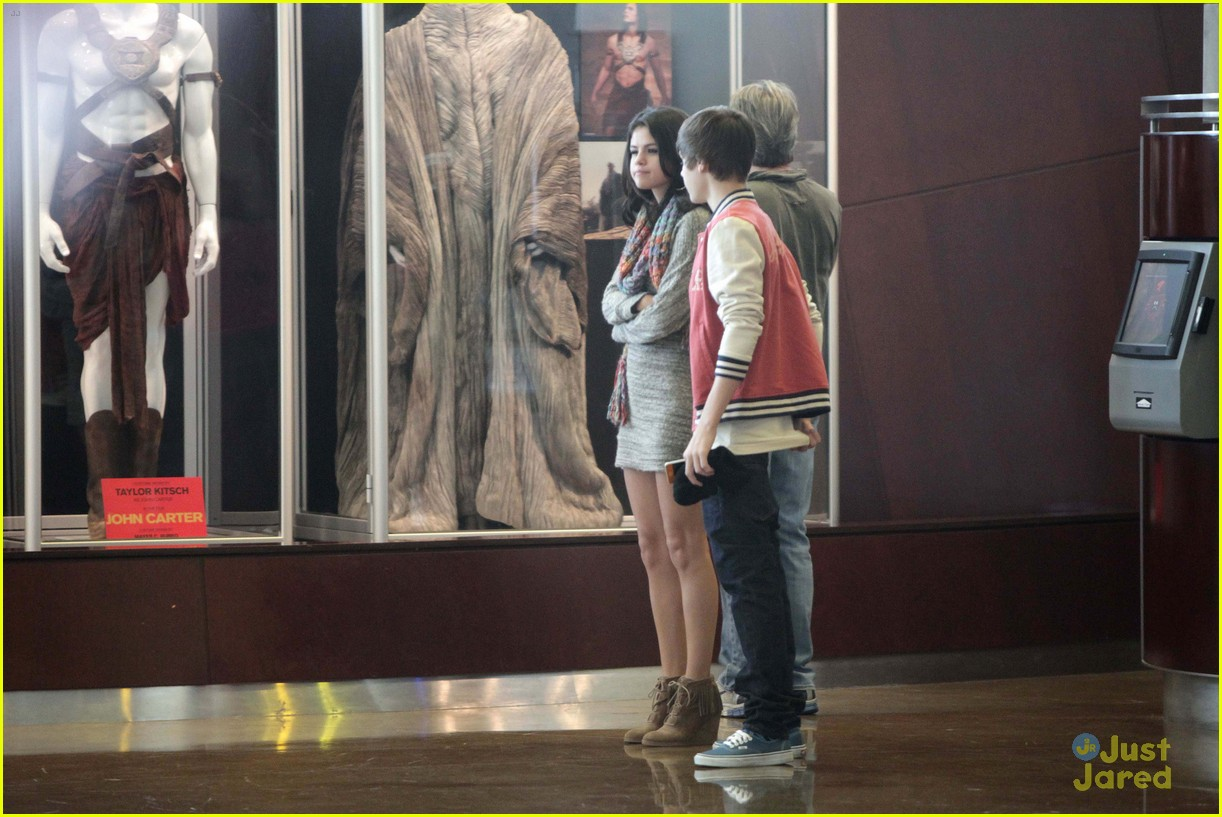 selena justin movies sushi 10