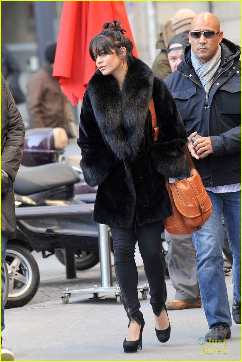 vanessa hudgens shopping paris 04