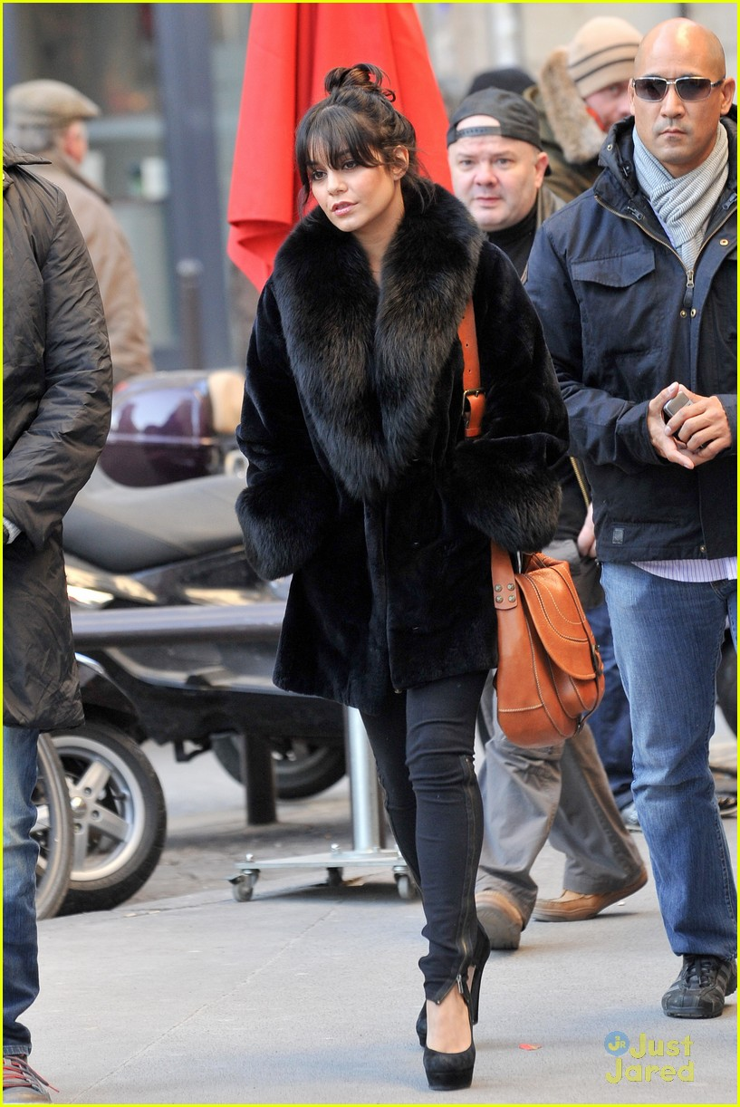 vanessa hudgens shopping paris 05