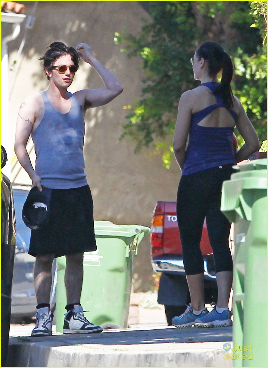 jackson rathbone work out 04