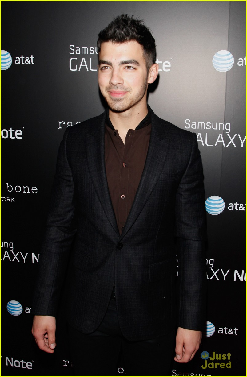 joe jonas samsung note 04