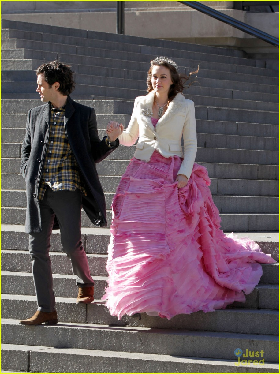 leighton meester penn badgley kiss 05