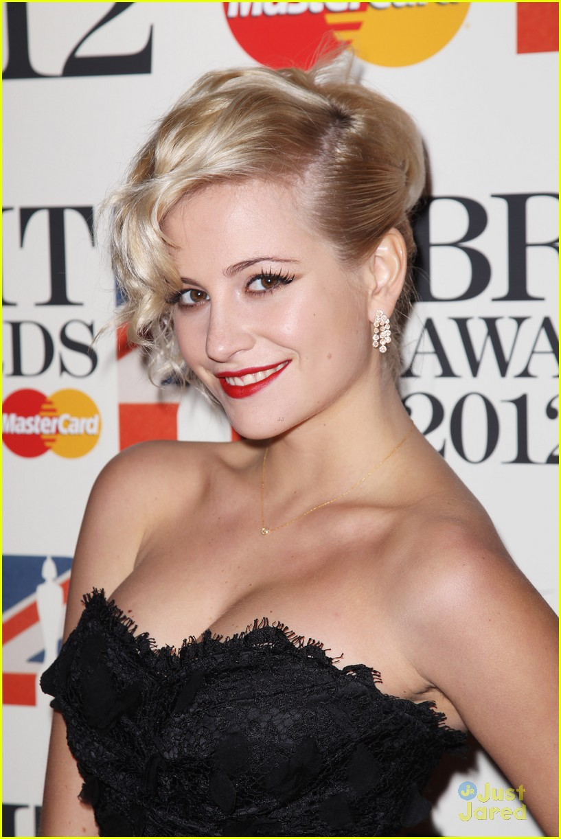 pixie lott brit awards 10
