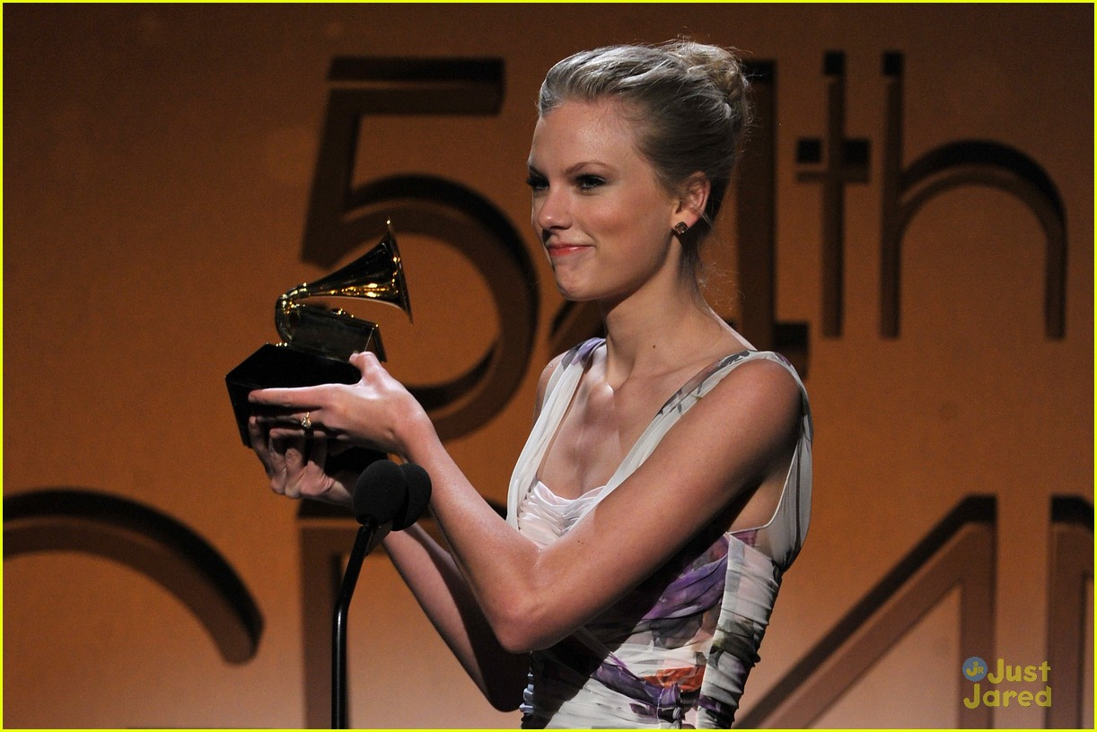 taylor swift 2012 grammys 11