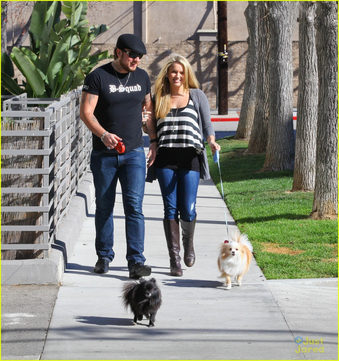 tiffany thornton chris walk dogs 06