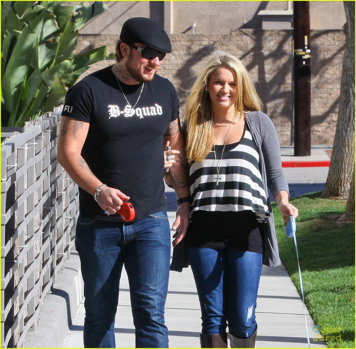 tiffany thornton chris walk dogs 09