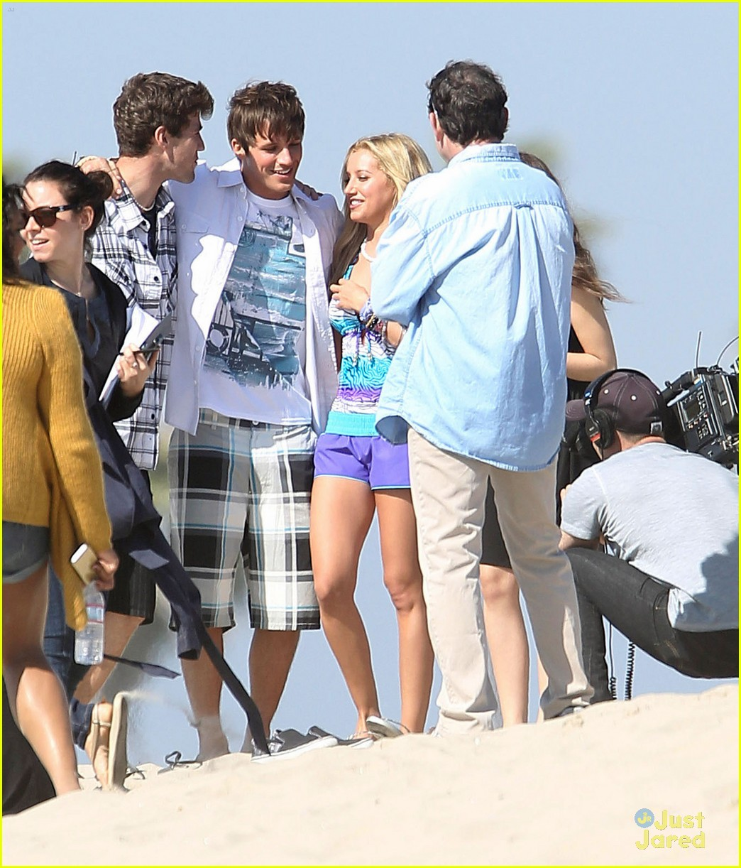 ashley tisdale sarah hyland op shoot 16