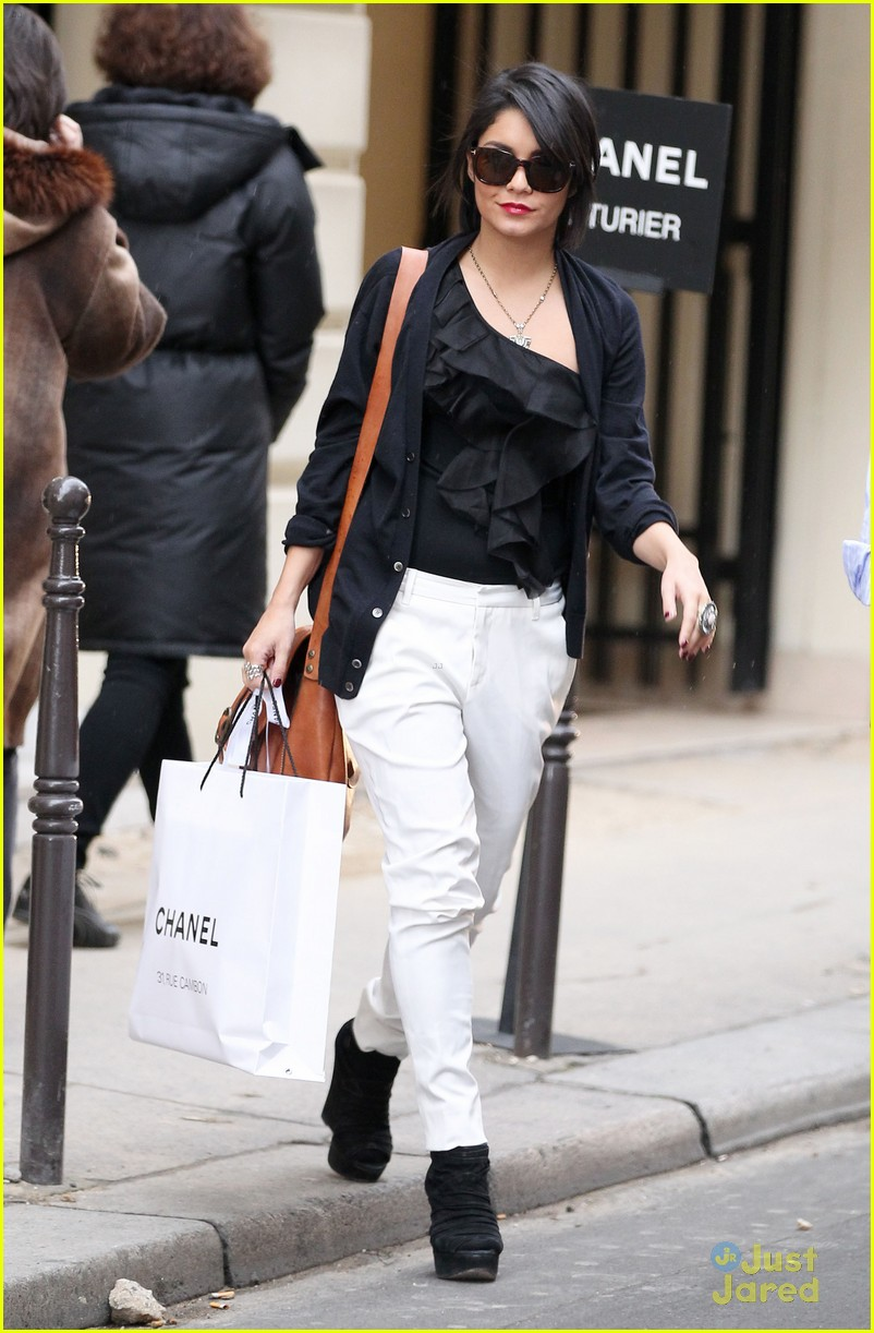 vanessa hudgens chanel shop 02