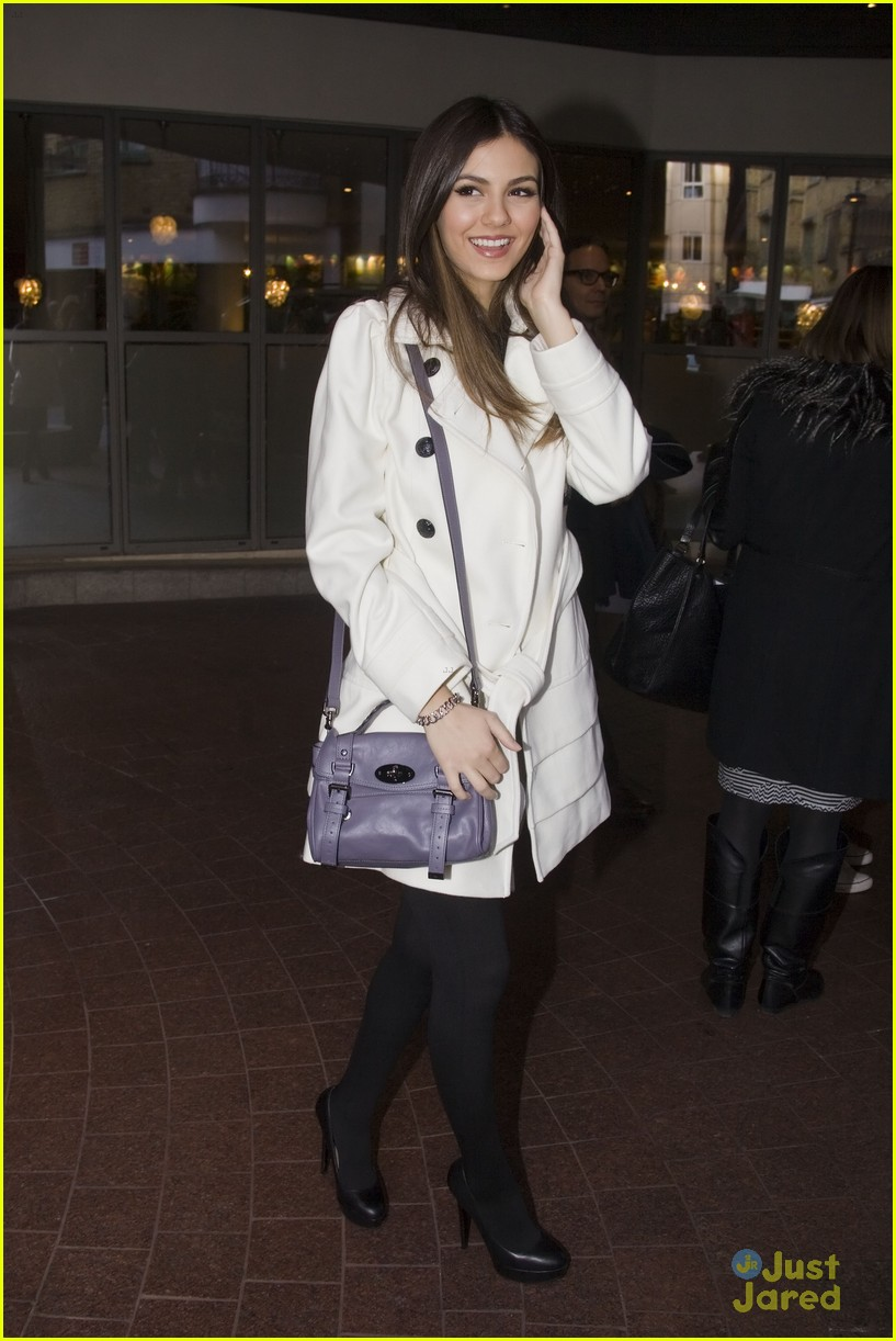 victoria justice london mission 05