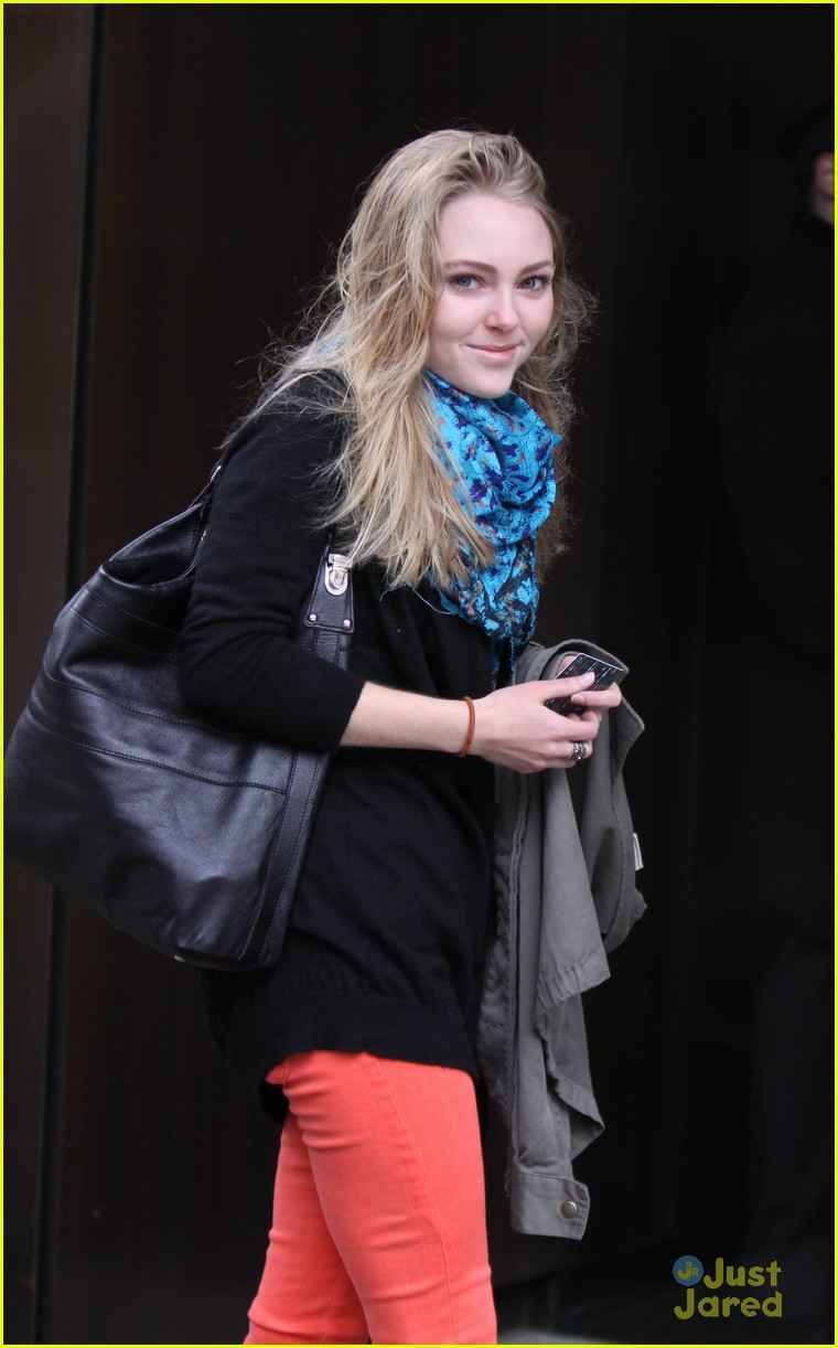 annasophia robb carrie fitting 02