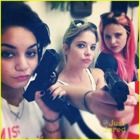 vanessa hudgens ashley benson gun toting ladies 02