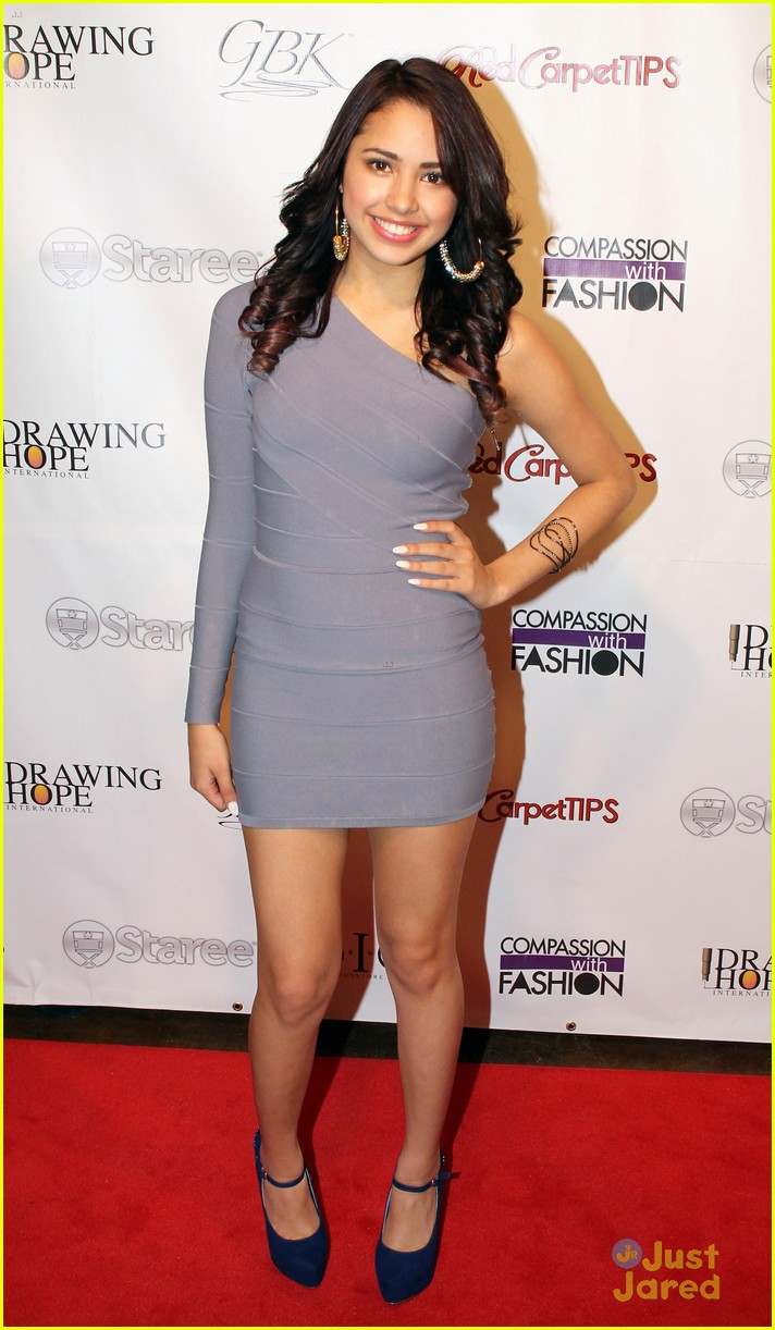 jasmine v drawing hope gala 01