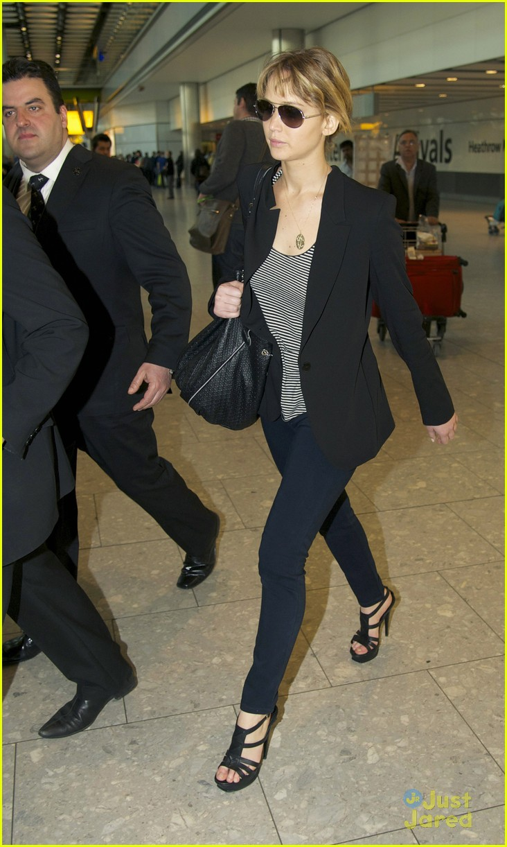 jennifer lawrence heathrow arrival 05