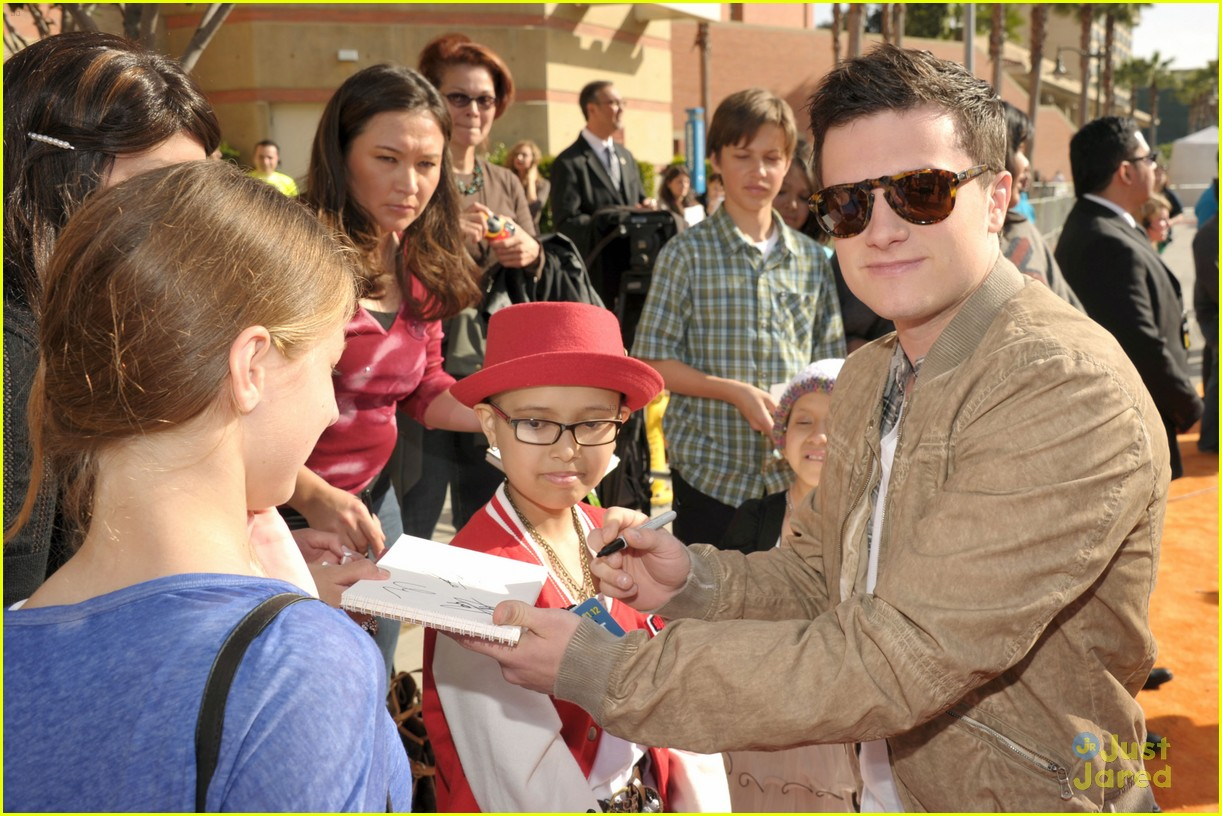 josh hutcherson dayo okeniyi kcas 01