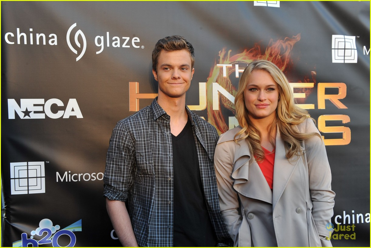 leven rambin jack quaid thg mall 23
