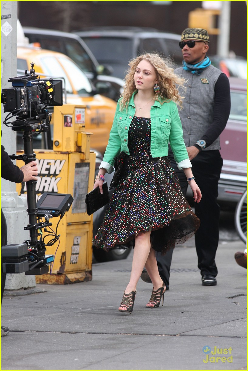 annasophia robb bump big apple 08