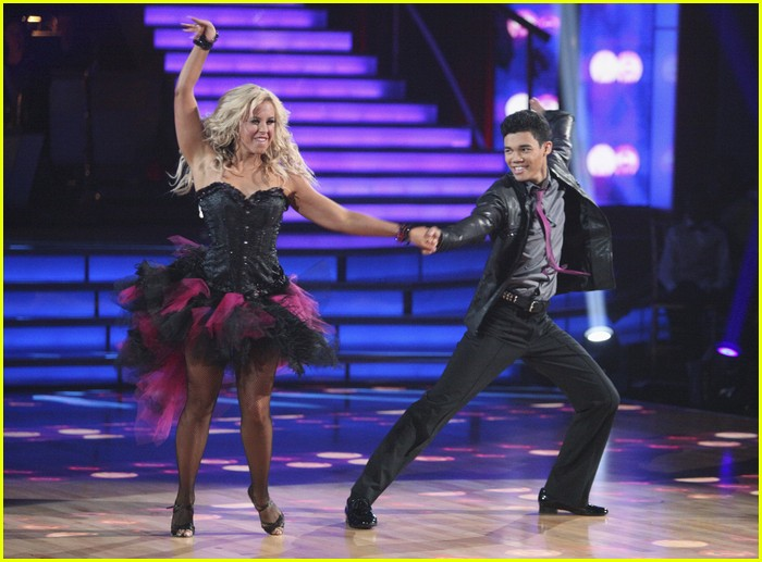 roshon fegan dwts night one 03