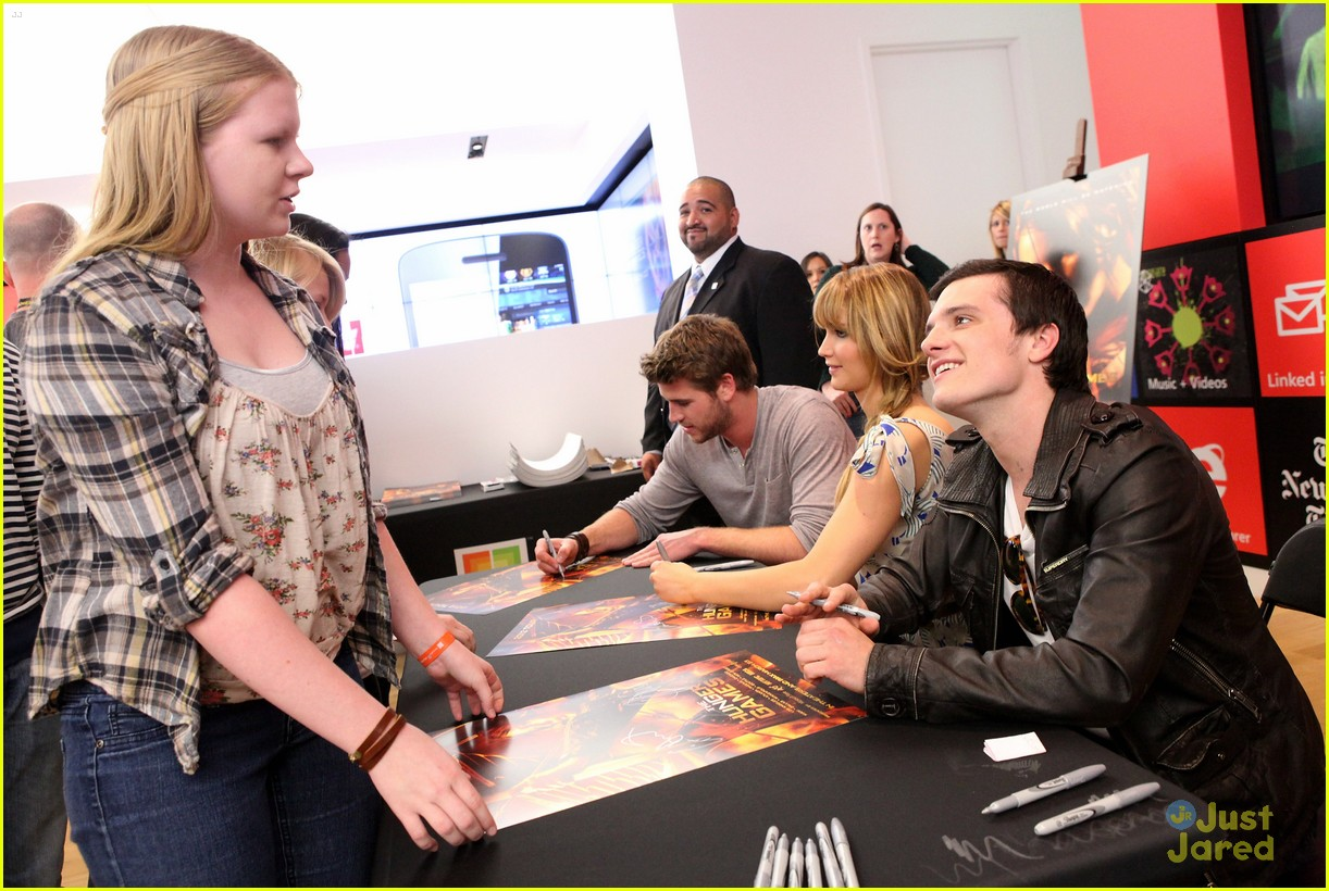 jennifer liam josh mall tour thg 10