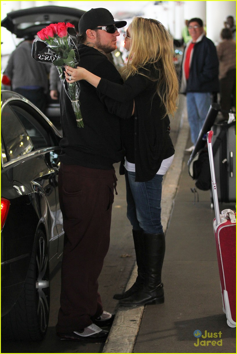 tiffany thornton baby kiss chris 07