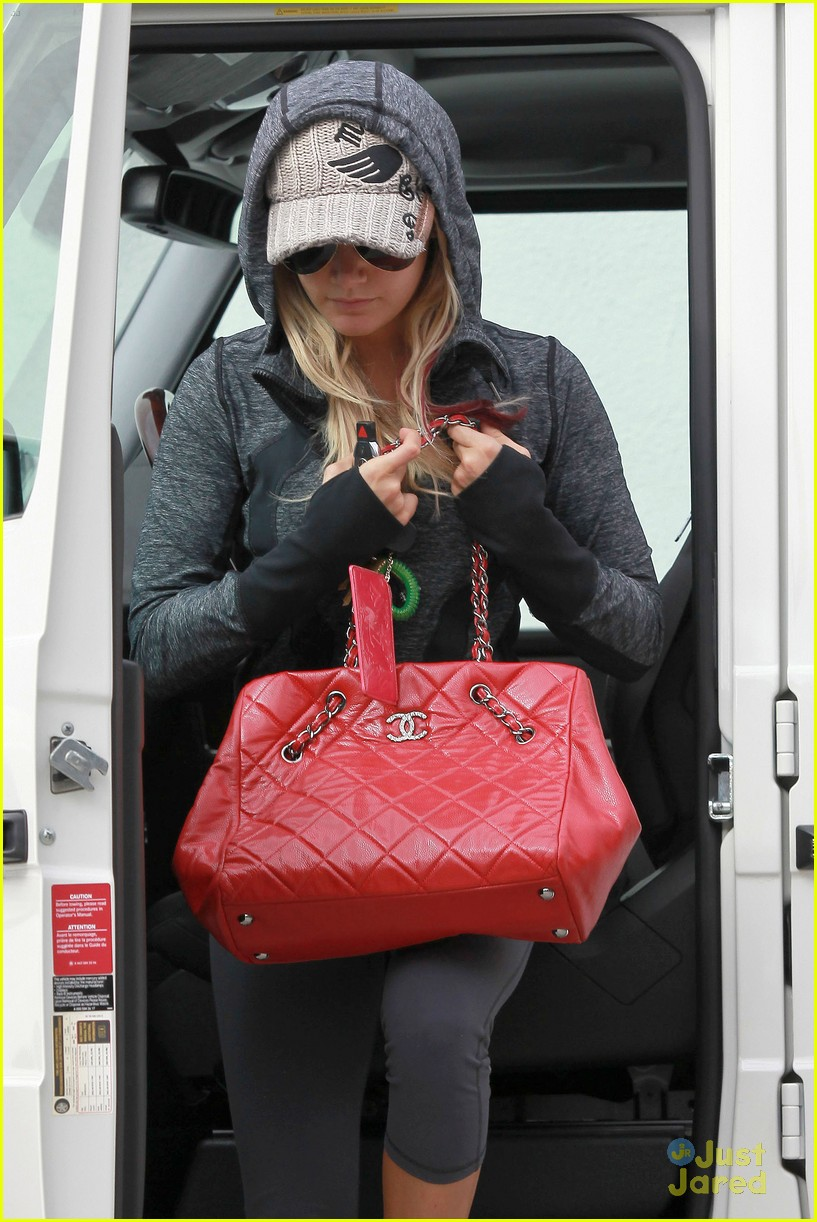 ashley tisdale allsaints shopper 03