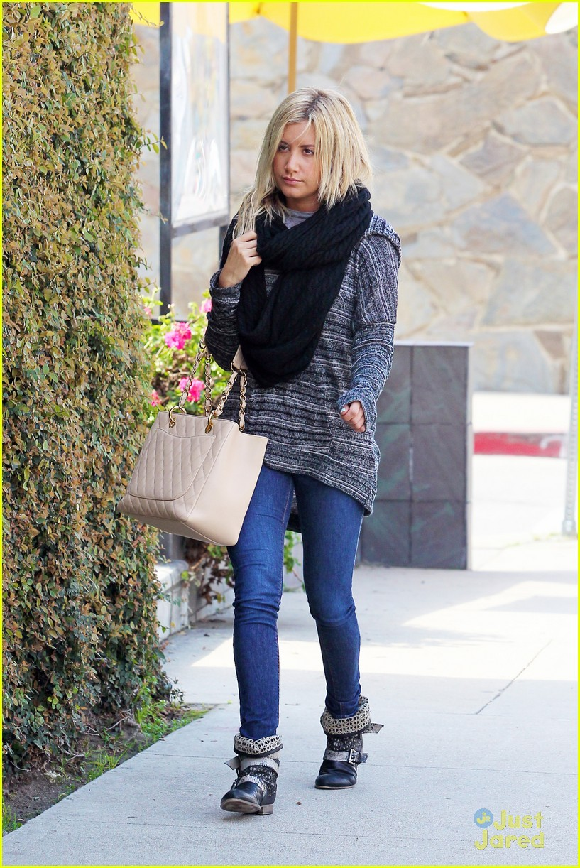 ashley tisdale recording studio 03